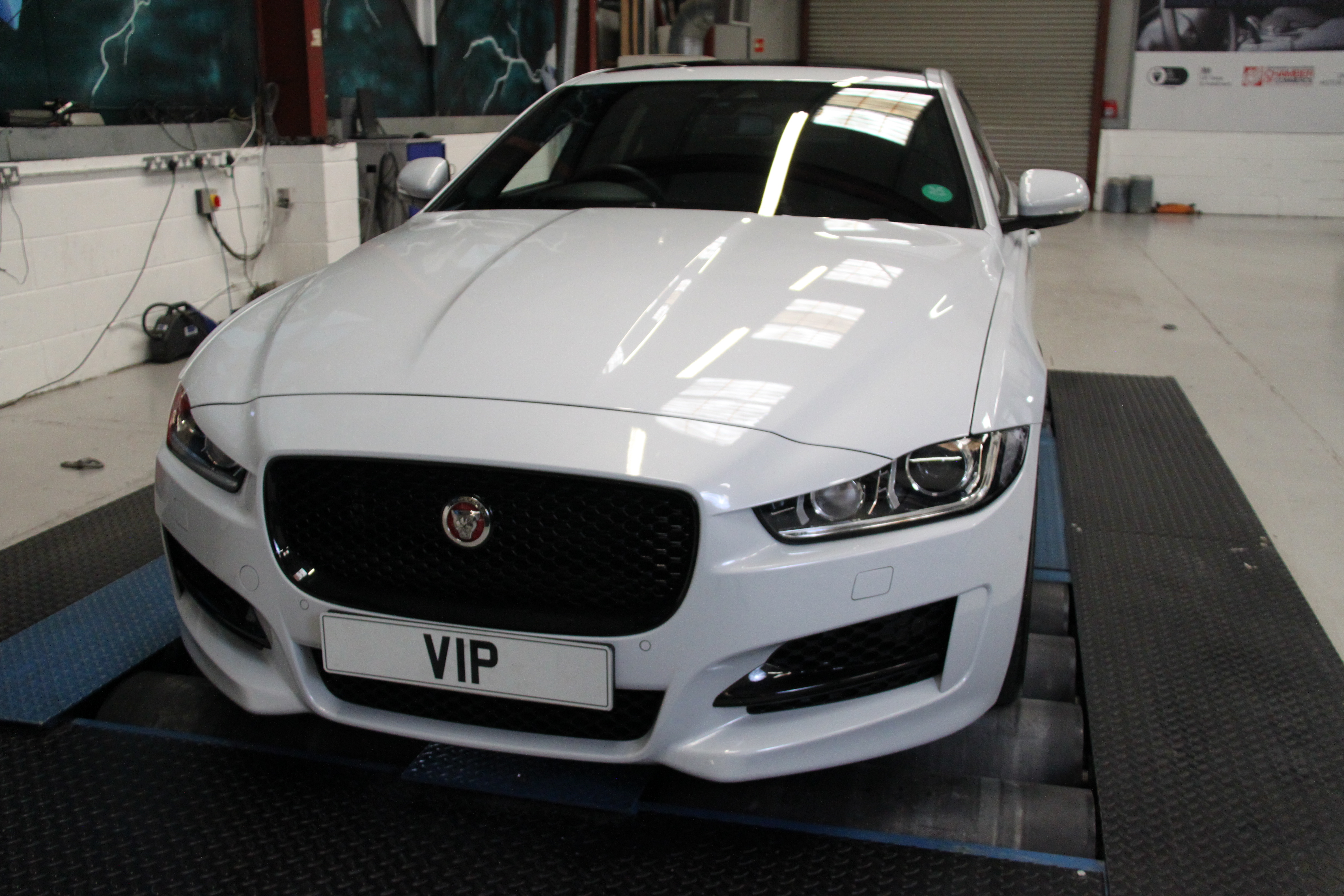 the jaguar xe tuning and styling enhancements from vip design. Black Bedroom Furniture Sets. Home Design Ideas