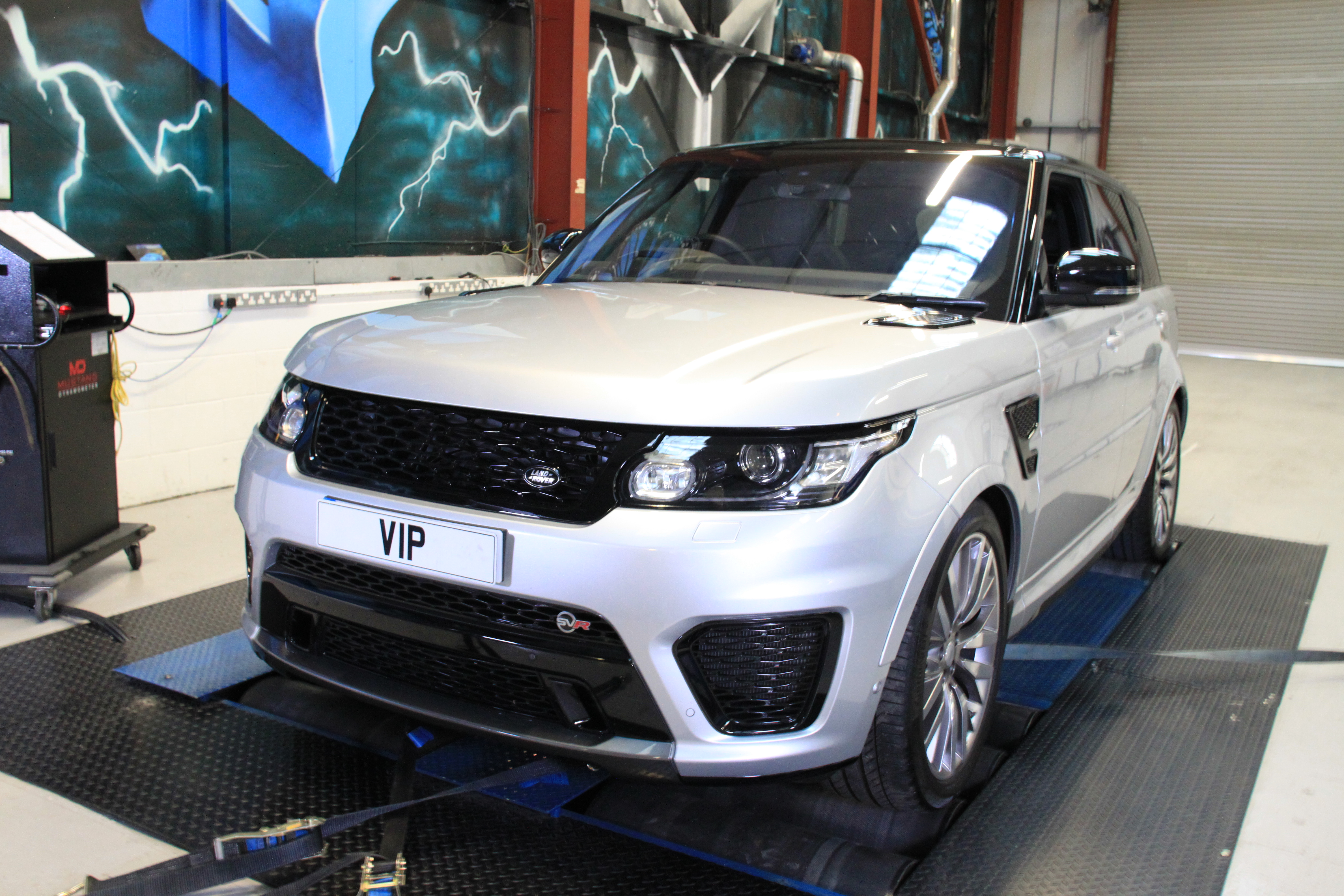 range rover tuning uk and styling from vip design london. Black Bedroom Furniture Sets. Home Design Ideas