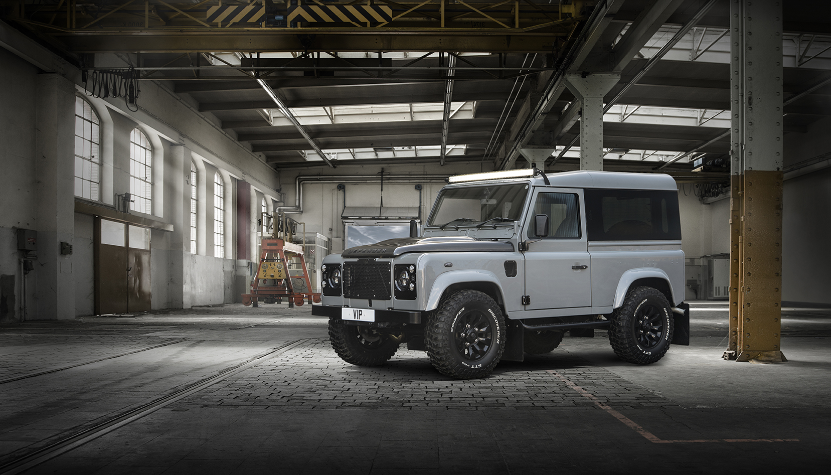 Land Rover Defender urban ready